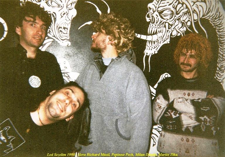 Led Sezelim 1998